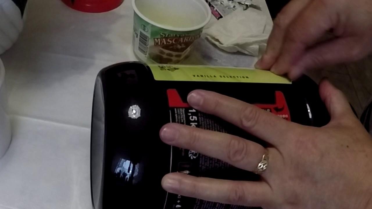 Hogyan lehet eltávolítani a zsírfoltokat a velúrról