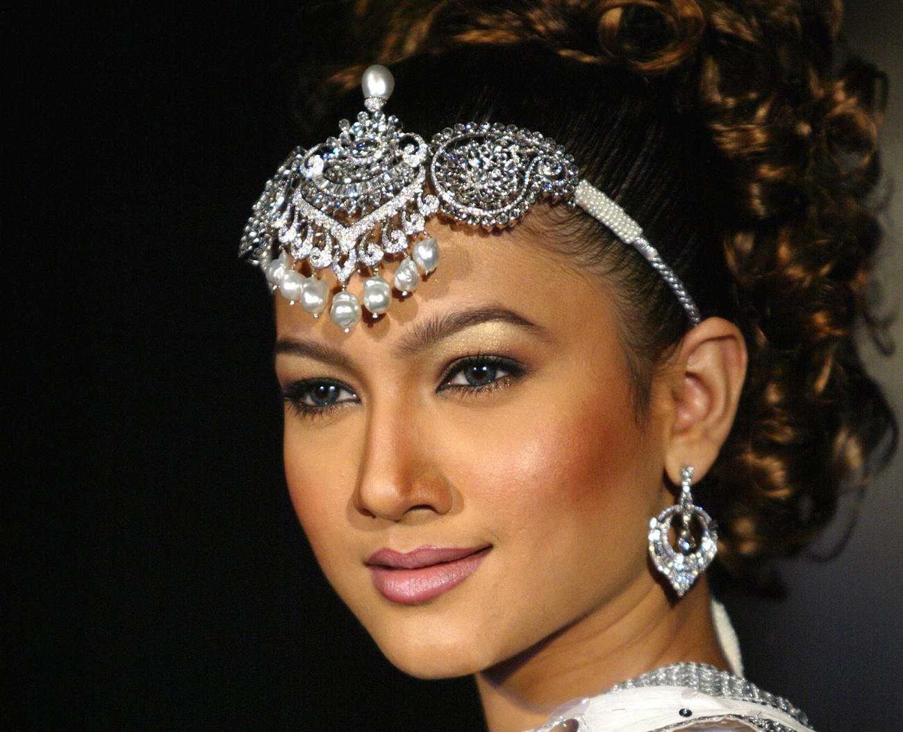 Sonakshi sinha fogyás divat - 9 Csodálatos pamut Saree blúz nyak tervezése