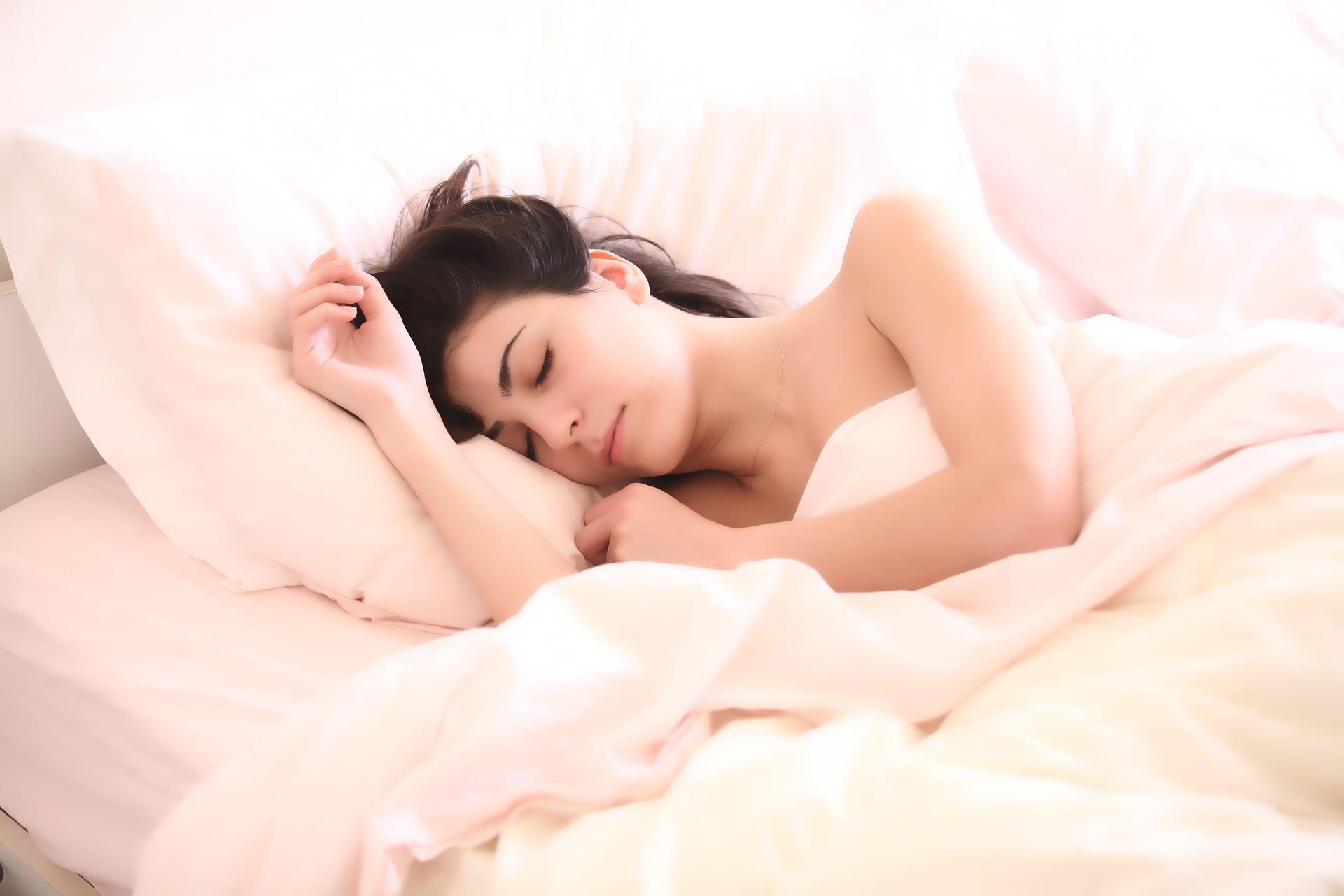 alvás fogyás kapcsolat