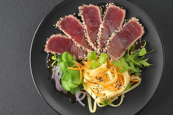 A legtöbb kalóriatartalmú tekercs. A sushi és a tekercs kalóriatartalma. Fogyás és gyarapodás