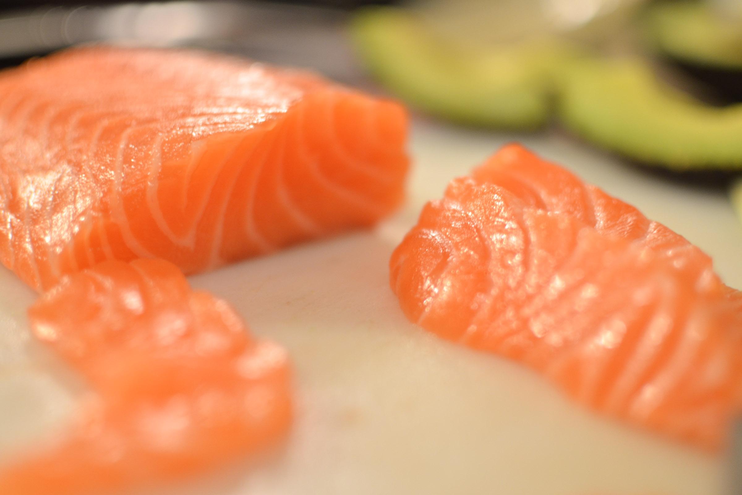 fogyás sashimi súlycsökkentő fekvenyomás