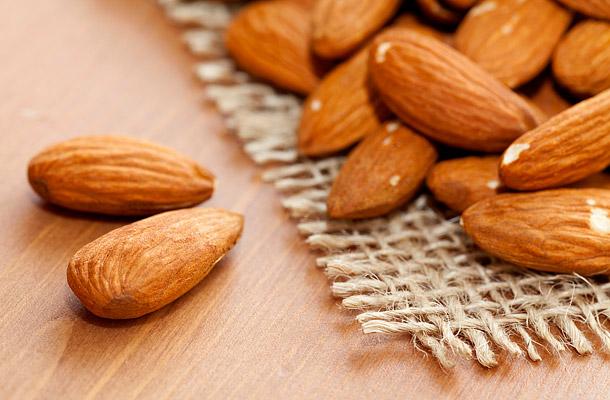 Égeti a zsírt, rákellenes és méregtelenít: így hat a manduladiéta - Fogyókúra | Femina